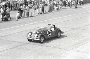 1962 Sebring 12 Hour race. Morgan Plus 4 SS driven by Al Rodgers and James Bailey