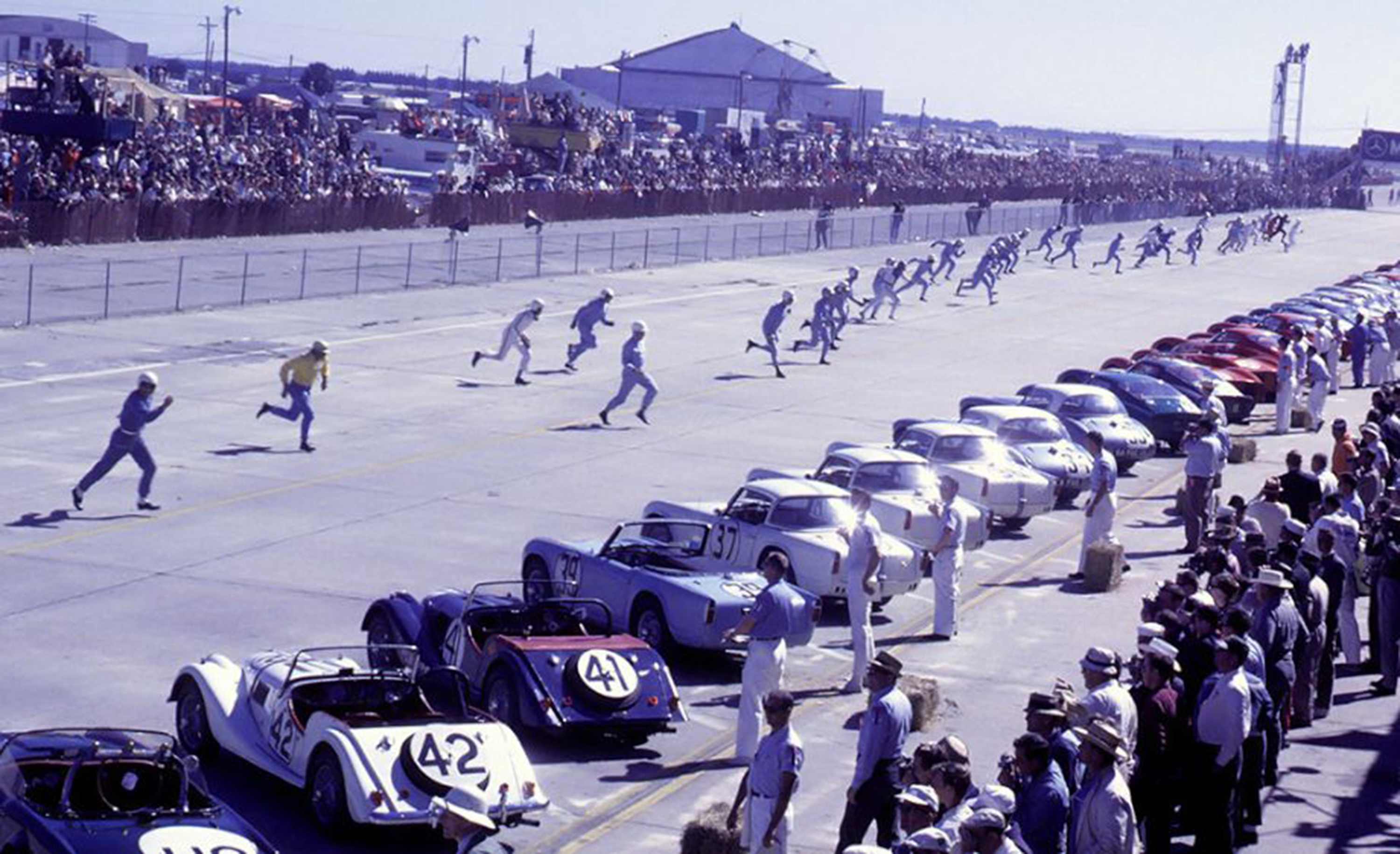 1963 Sebring 12-Hour Grand Prix of Endurance - Le Mans start